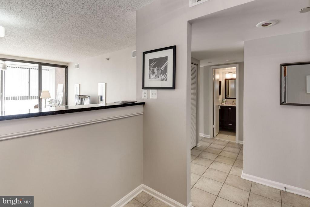Kitchen opens beautifully to Dining and Living Rm! - 1001 N RANDOLPH ST #106, ARLINGTON