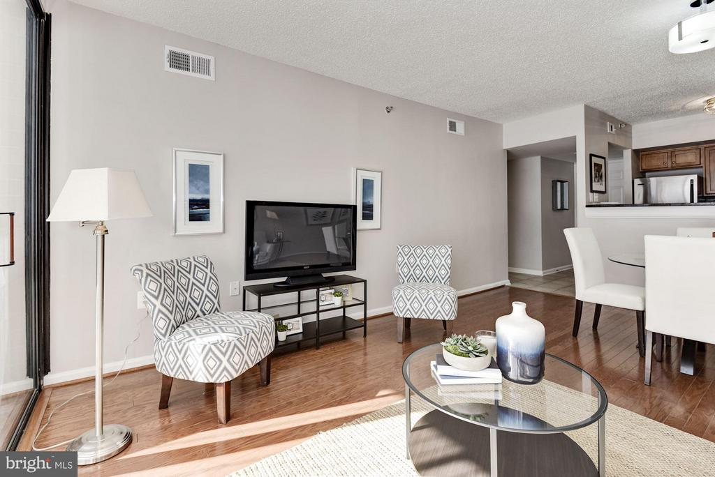 Living Room - 1001 N RANDOLPH ST #106, ARLINGTON
