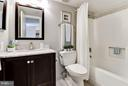 Bathroom - Renovated beautifully! - 1001 N RANDOLPH ST #106, ARLINGTON