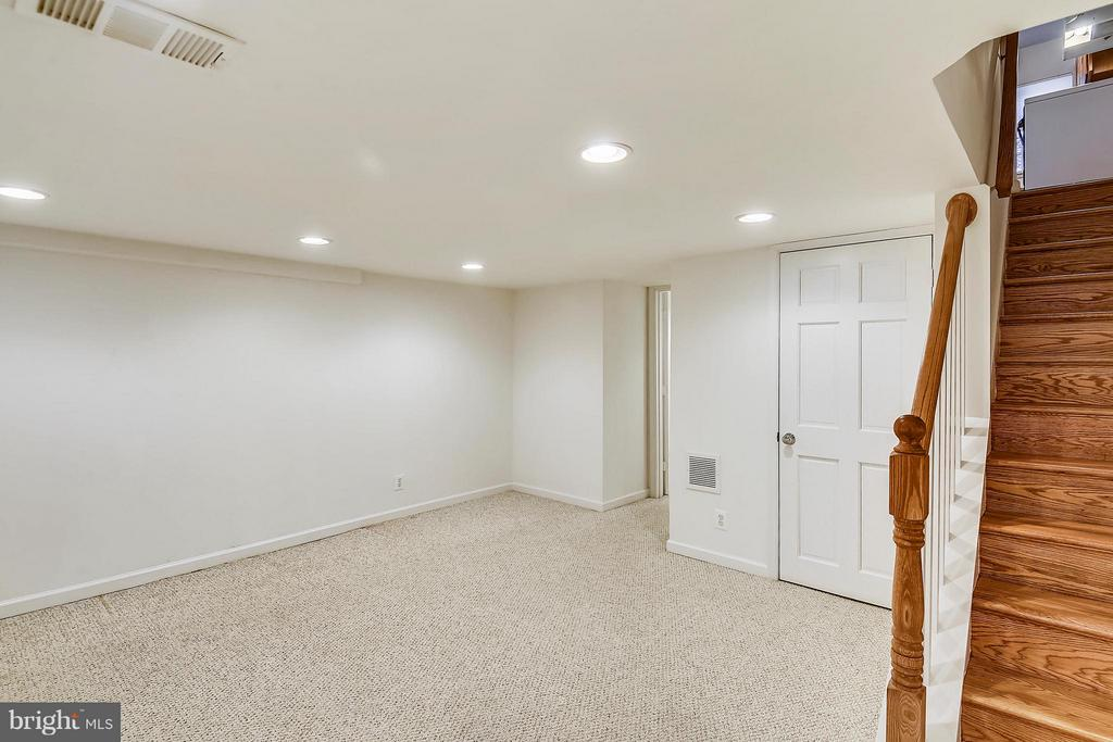 Imagine what you could do with all this space! - 3246 S UTAH ST, ARLINGTON