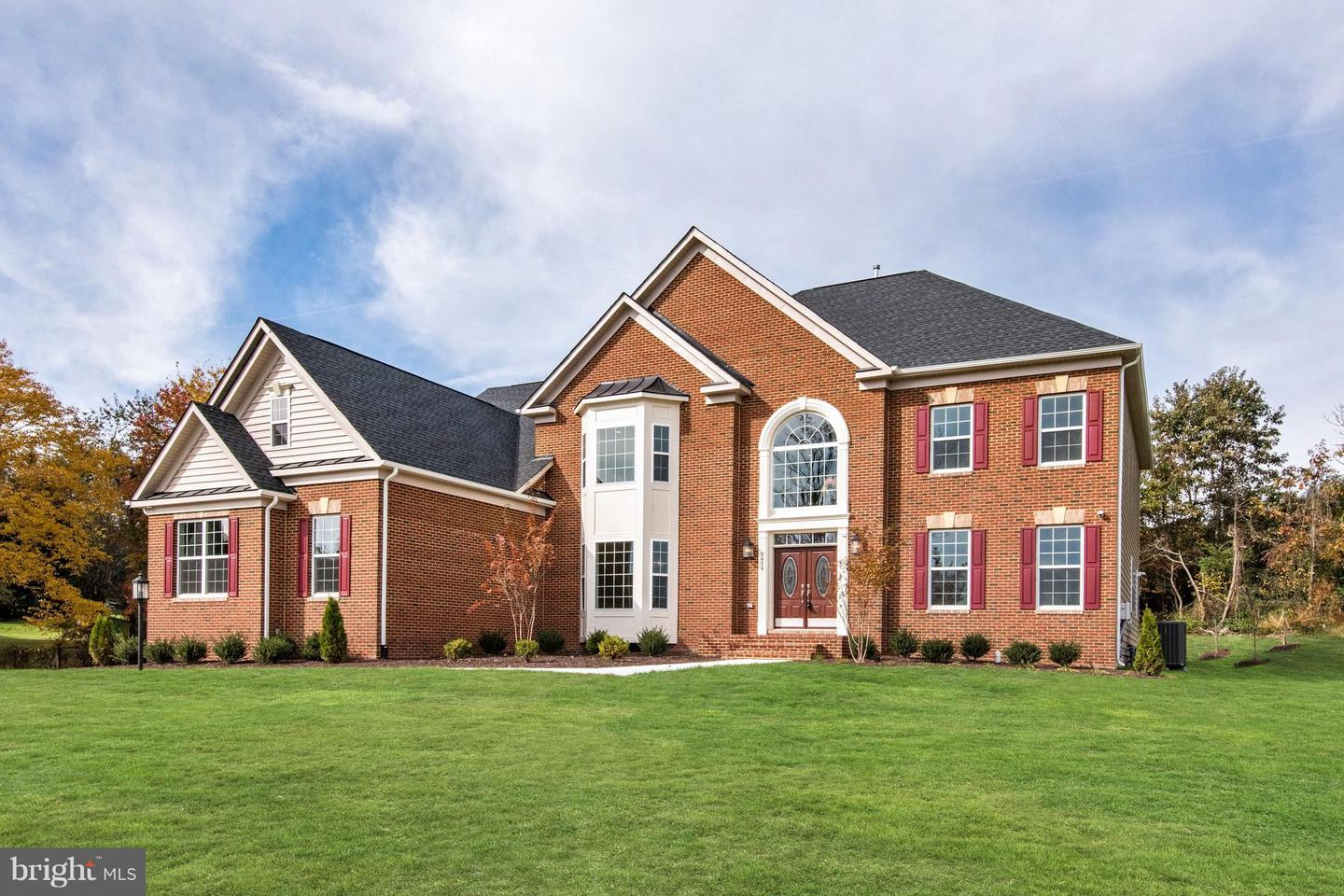 Single Family Home for Sale at 9474 Lake Hill Farms Dr #2-3 9474 Lake Hill Farms Dr #2-3 Lorton, Virginia 22079 United States