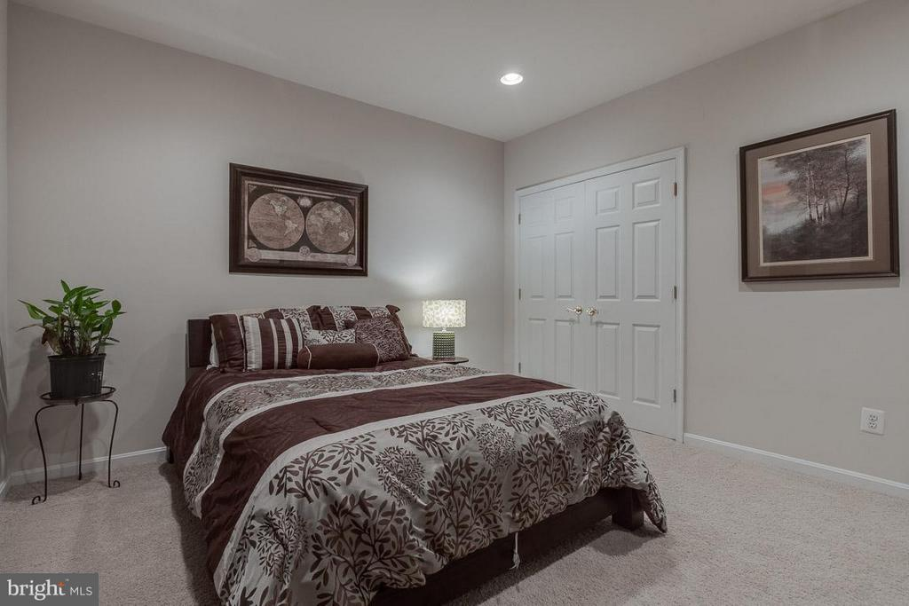 Bedroom #5 with large closet. - 1644 CHICKASAW PL NE, LEESBURG