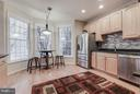 Sunny Spacious gourmet kitchen with wood floors - 1644 CHICKASAW PL NE, LEESBURG