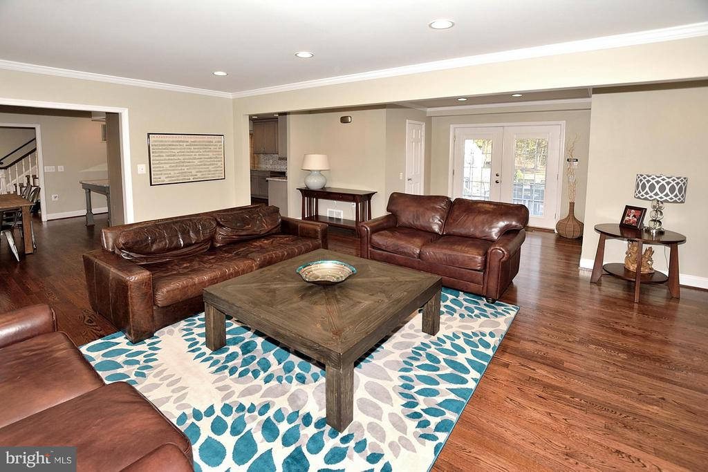 GREAT ROOM - 1121 CLINCH RD, HERNDON