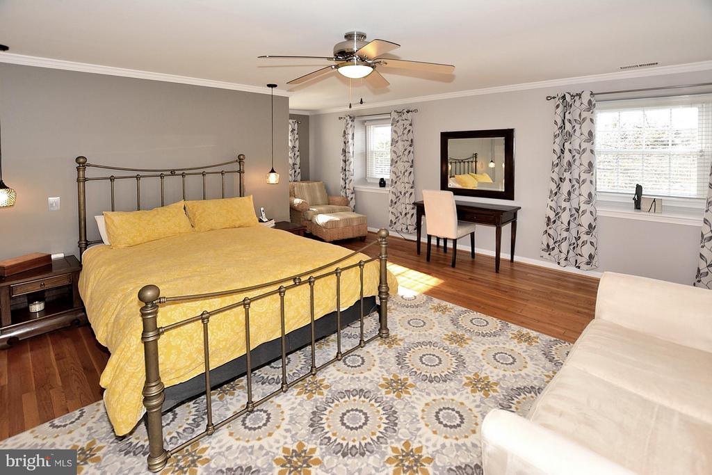 MASTER BEDROOM - 1121 CLINCH RD, HERNDON