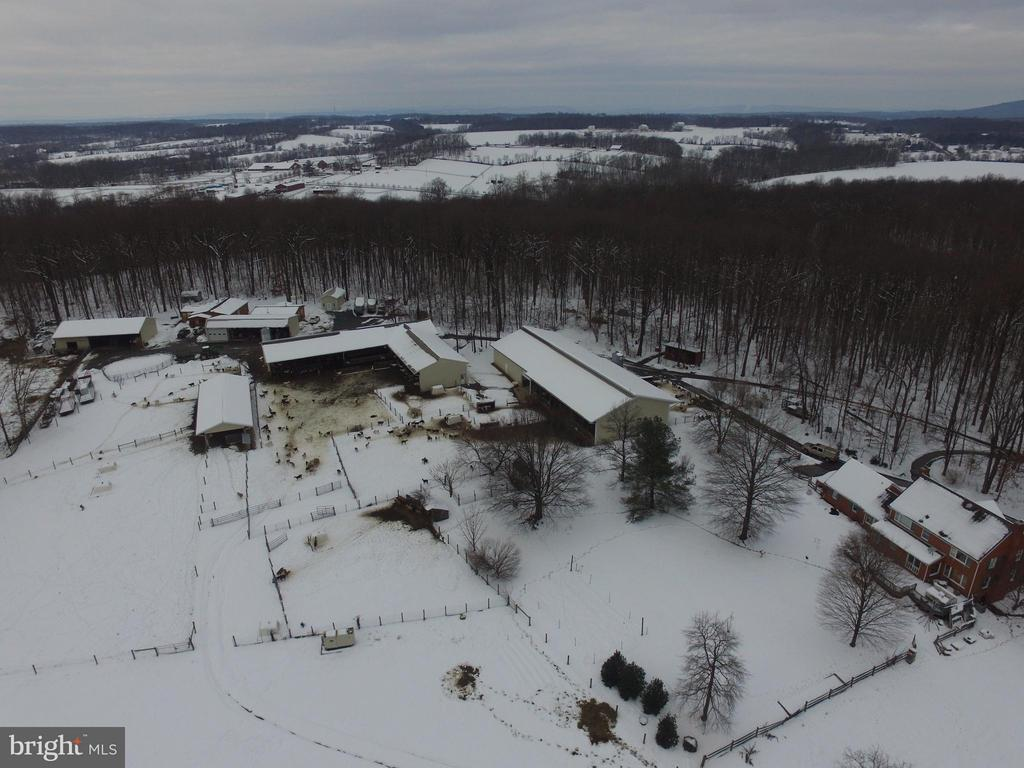 Arial view of farm - 16120 BARNESVILLE RD, BOYDS
