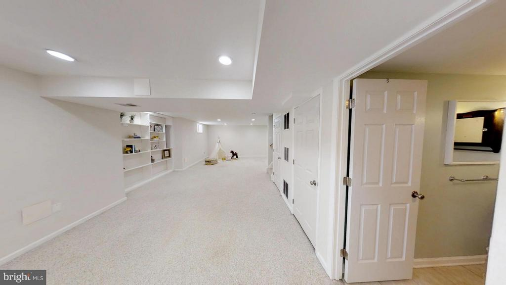 Lower Level Rec Room - 43205 EDGARTOWN ST, CHANTILLY
