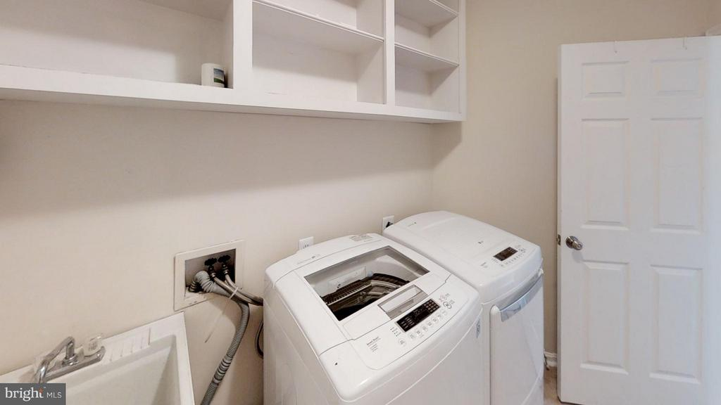 This Is A Mud Room - 43205 EDGARTOWN ST, CHANTILLY
