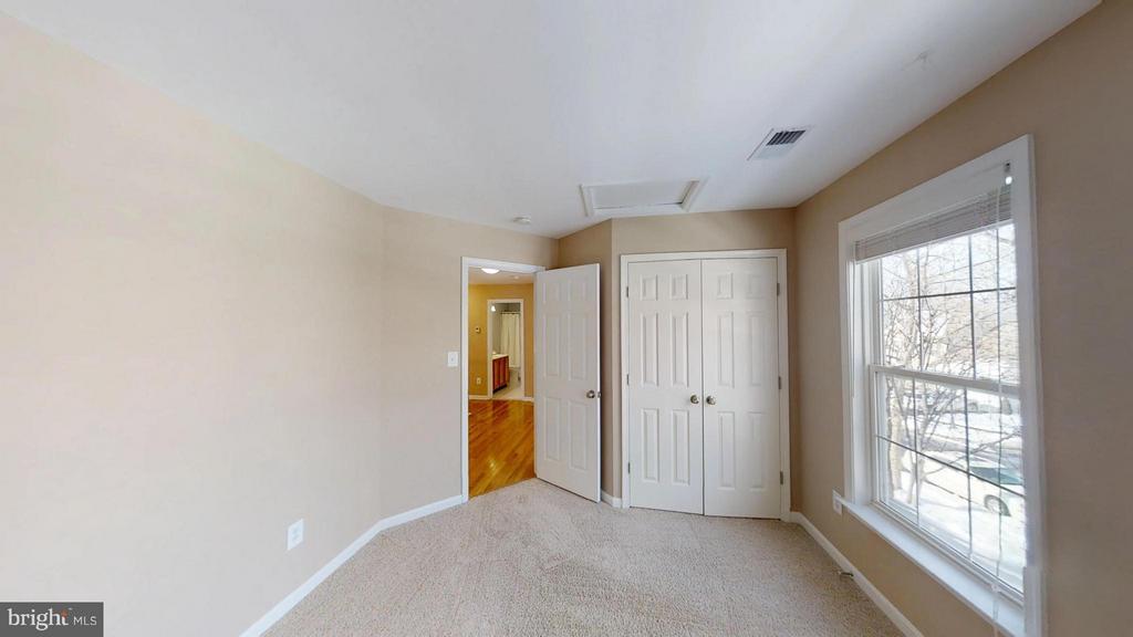 Front Left Bedroom - 43205 EDGARTOWN ST, CHANTILLY