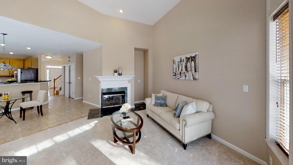 Open Floor Plan - 43205 EDGARTOWN ST, CHANTILLY