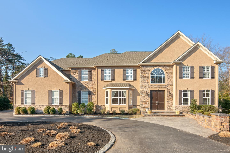 Частный односемейный дом для того Продажа на 211 KRESSON GIBBSBORO Road Voorhees, Нью-Джерси 08043 Соединенные Штаты