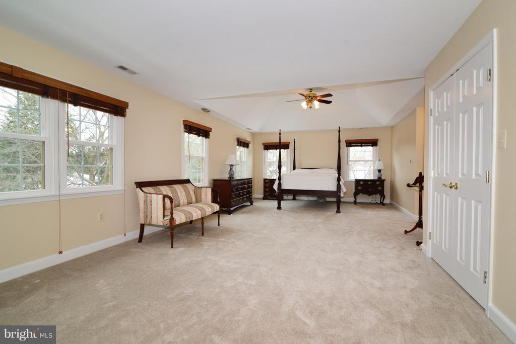 Master Retreat - 14405 VIRGINIA CHASE CT, CENTREVILLE