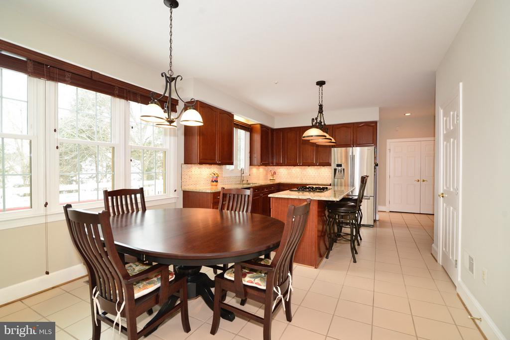 Breakfast Nook - 14405 VIRGINIA CHASE CT, CENTREVILLE
