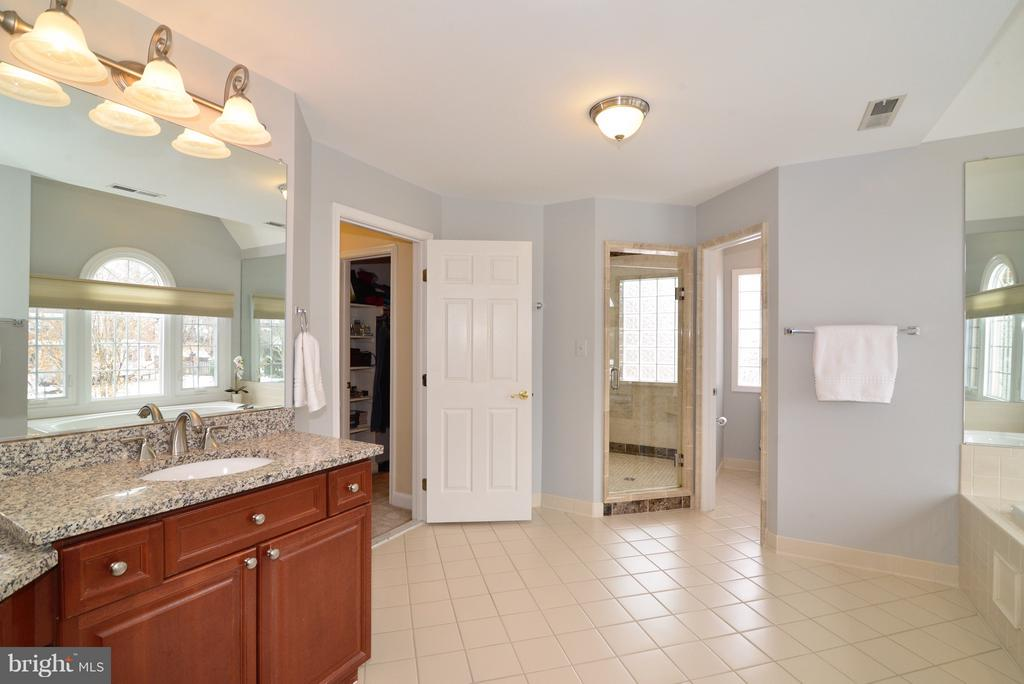 Vanities are His and Hers with makeup vanity - 14405 VIRGINIA CHASE CT, CENTREVILLE