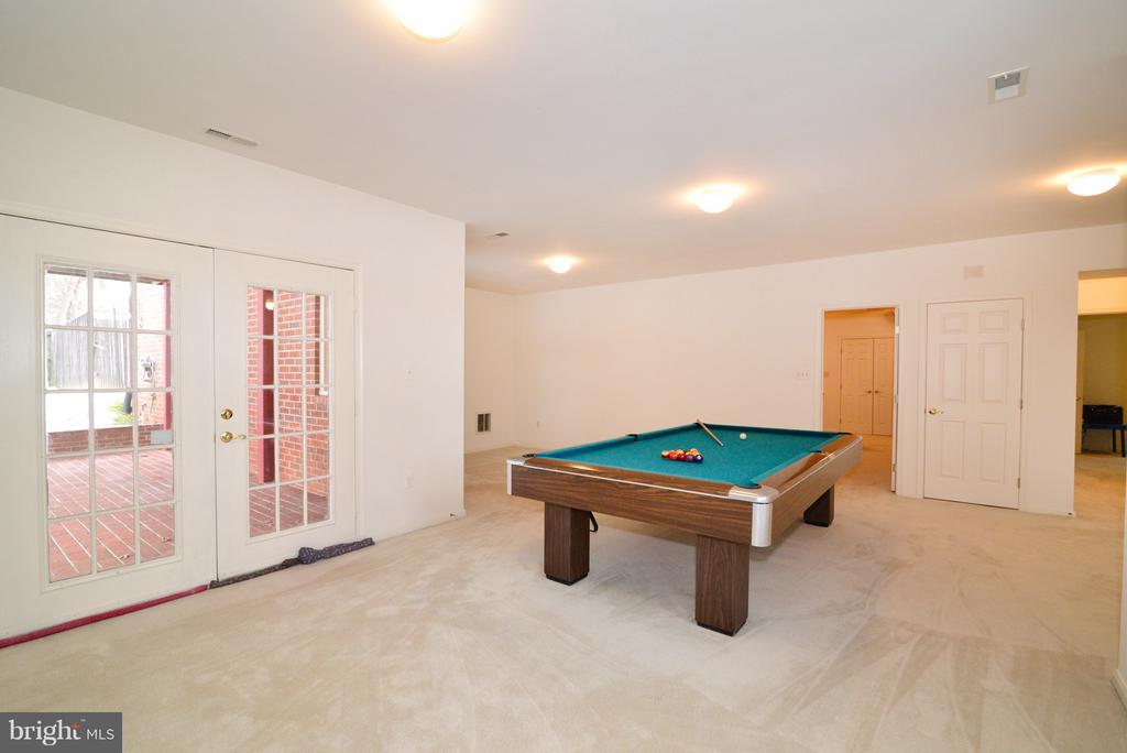 Game/Rec Room with Recessed Lighitng - 14405 VIRGINIA CHASE CT, CENTREVILLE