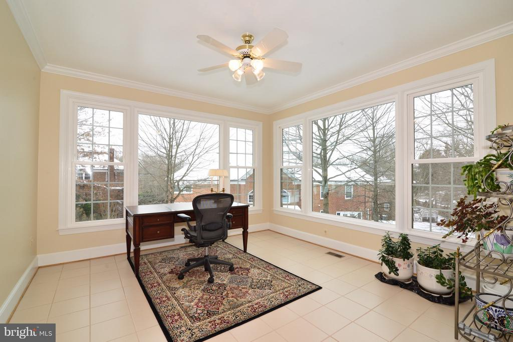 Main Level Office/Sunroom - 14405 VIRGINIA CHASE CT, CENTREVILLE