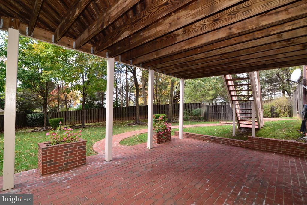 Patio View - 14405 VIRGINIA CHASE CT, CENTREVILLE