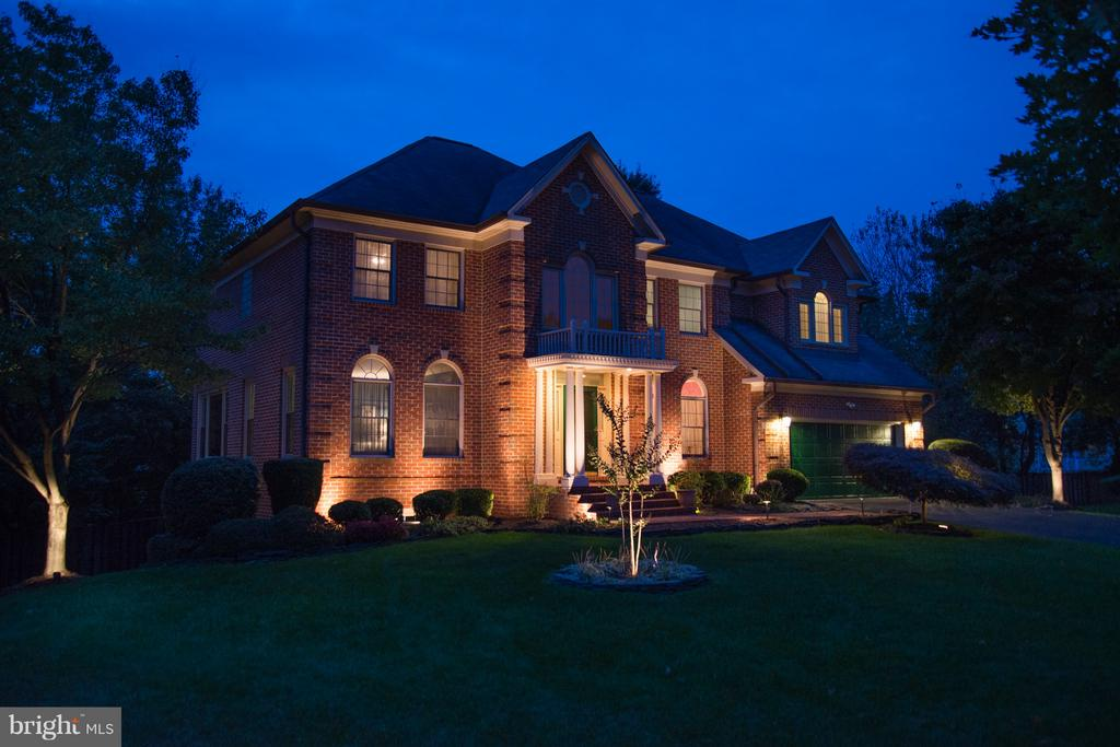 Proud to Come Home! - 14405 VIRGINIA CHASE CT, CENTREVILLE