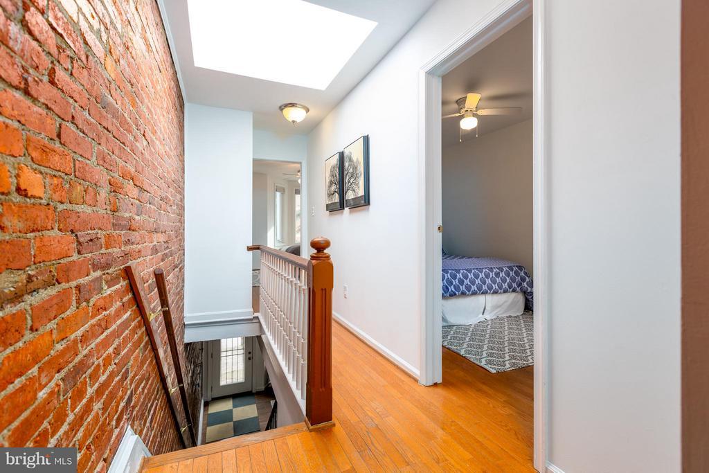 Upstairs hallway - 920 3RD ST NE, WASHINGTON