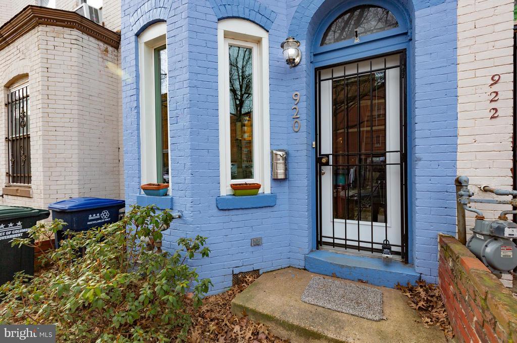 Exterior front door - 920 3RD ST NE, WASHINGTON