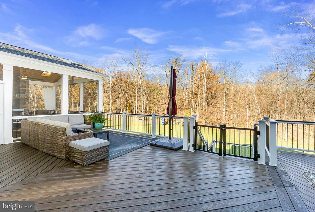 Composite Deck Accessed from Breakfast Rm - 5194 BONNIE BRAE FARM DR, HAYMARKET