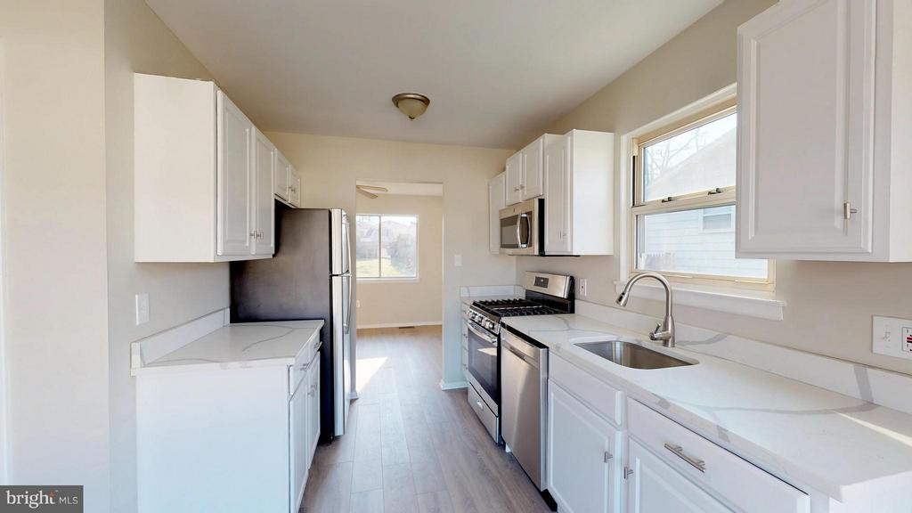 Renovated Kitchen with New Appliances - 8807 CRANDALL RD, LANHAM