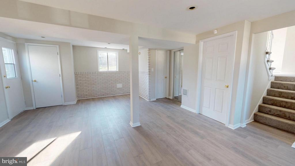 Entertainers Delight + you have another basement - 8807 CRANDALL RD, LANHAM