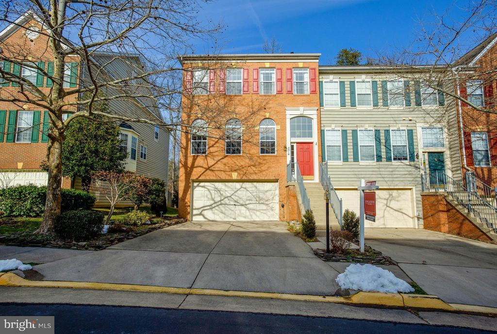 5310  JESMOND STREET, one of homes for sale in Kingstowne