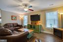 Tons of light shines into the huge living room - 9727 COBBLE STONE CT, HAGERSTOWN