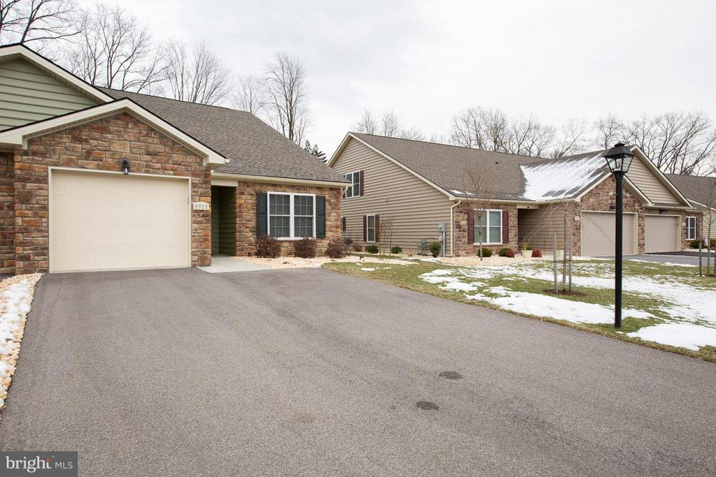 - 9727 COBBLE STONE CT, HAGERSTOWN