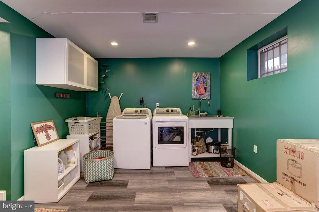 Laundry & multi-purpose room - 5704 OREGON AVE NW, WASHINGTON