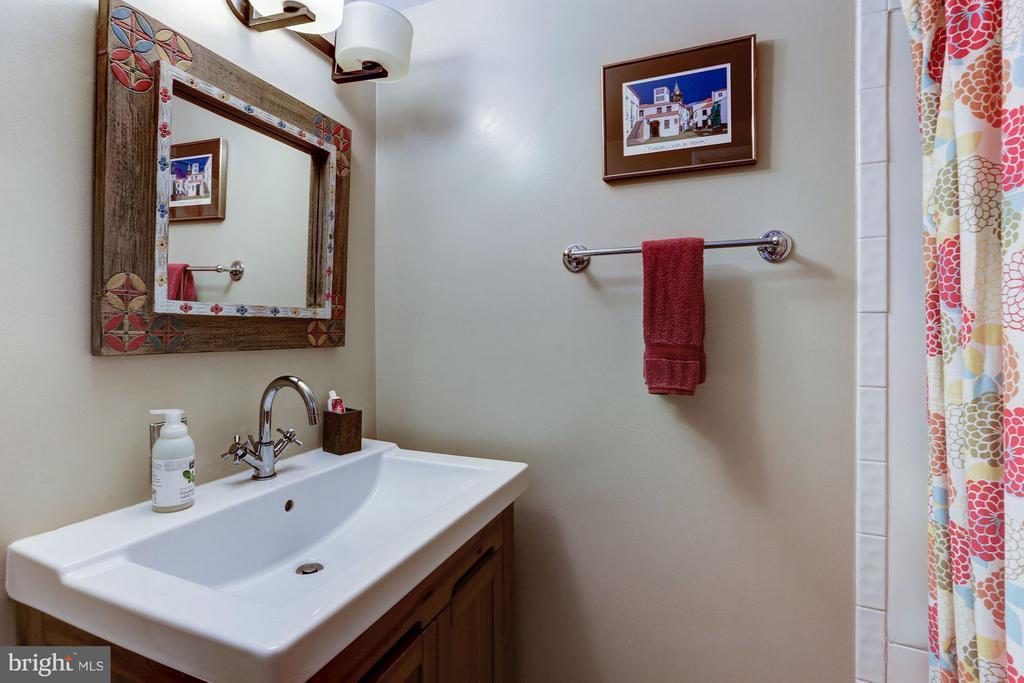 Lower level full bath - 5704 OREGON AVE NW, WASHINGTON