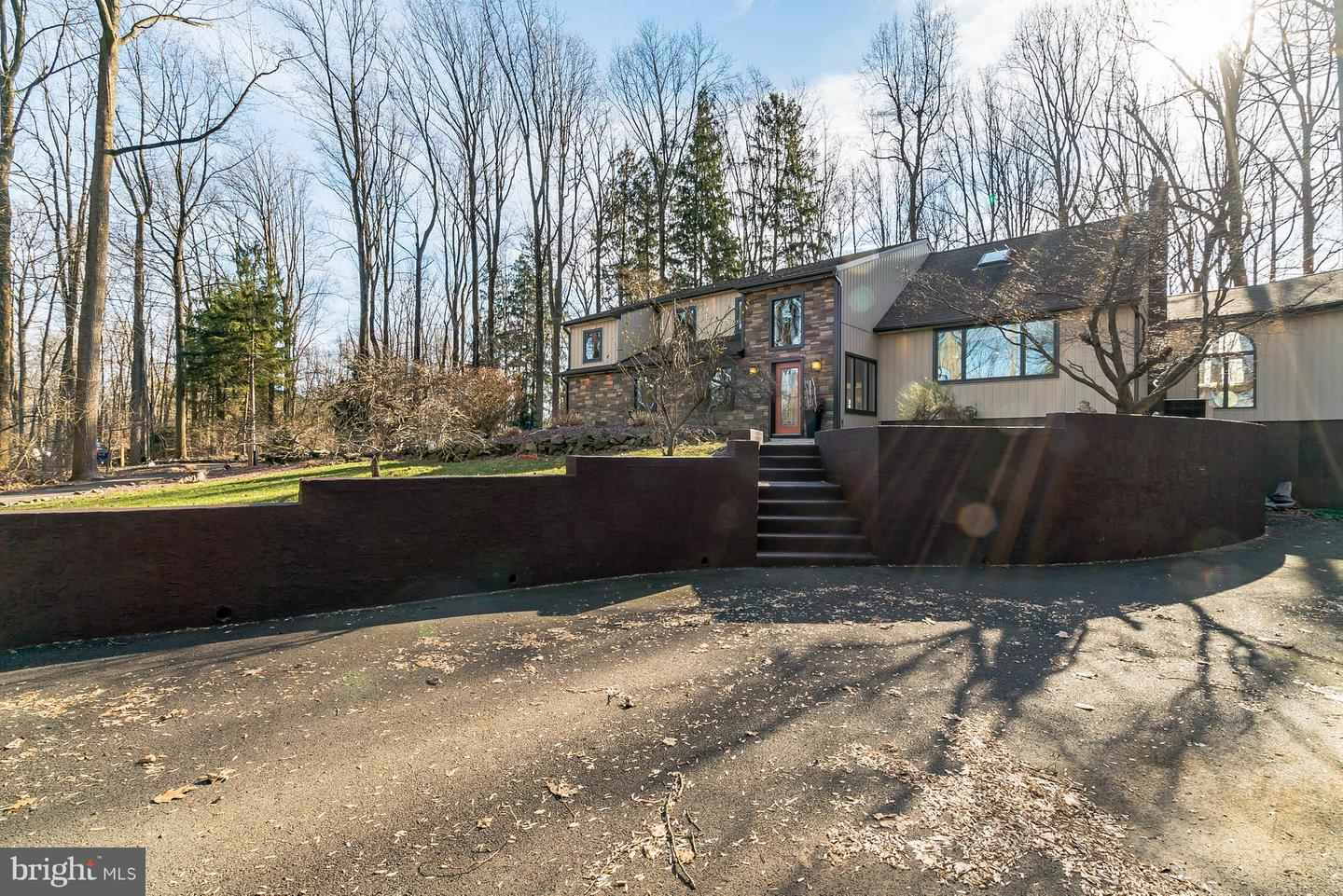 Photo of home for sale at 7 High Road, New Hope PA