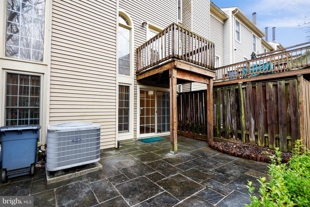 YOU'LL LOVE OUTDOOR ENTERTAINING SOON! - 10419 ENGLISHMAN DR #25, ROCKVILLE