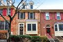 ATTRACTIVE BRICK FRONT TOWNHOME - 10419 ENGLISHMAN DR #25, ROCKVILLE