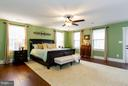 Bright and spacious master bedroom - 16964 TAKEAWAY LN, DUMFRIES