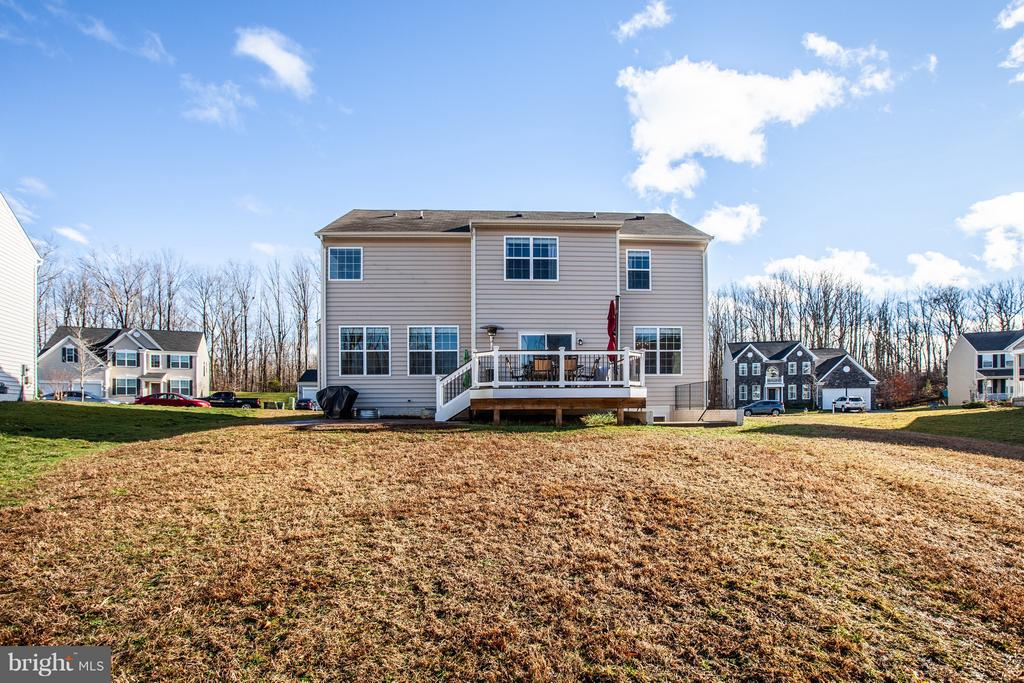 Lots of room for both pets & children! - 54 COLEMANS MILL DR, FREDERICKSBURG