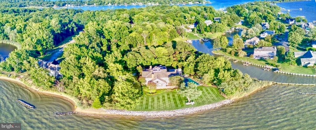 200 ' of rip rapped shoreline and amazing sunsets - 1208 SOUTHBREEZE LN, ANNAPOLIS