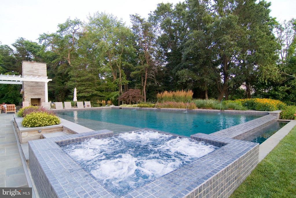 This is an entertainers dream back yard! - 1208 SOUTHBREEZE LN, ANNAPOLIS