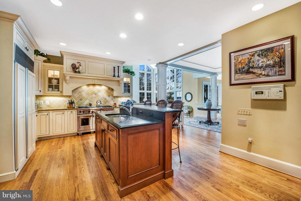 Furniture quality cabinetry - 1208 SOUTHBREEZE LN, ANNAPOLIS