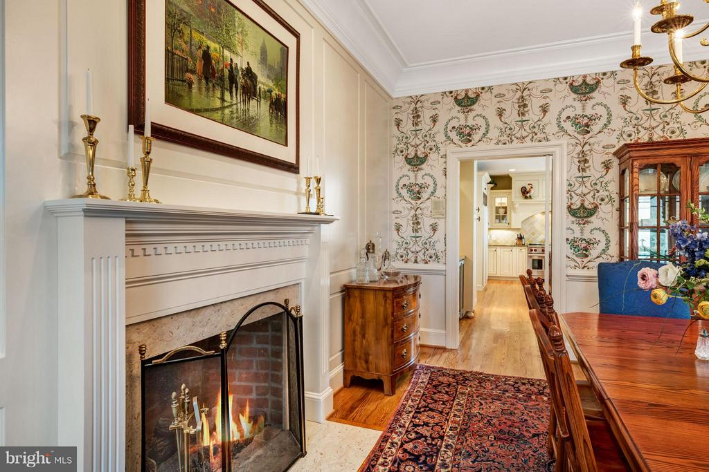 Fireplace in the dining rm w marble mantel - 1208 SOUTHBREEZE LN, ANNAPOLIS