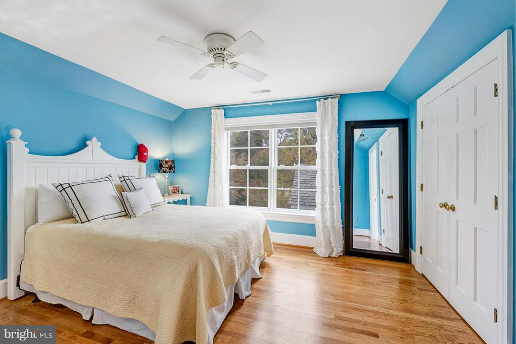 Gleaming hardwood floors throughout the 2nd floor - 1208 SOUTHBREEZE LN, ANNAPOLIS
