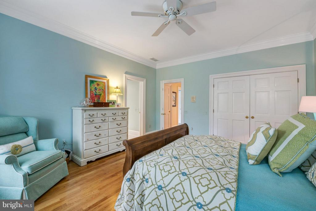 Large 2nd Bedroom suite - 1208 SOUTHBREEZE LN, ANNAPOLIS
