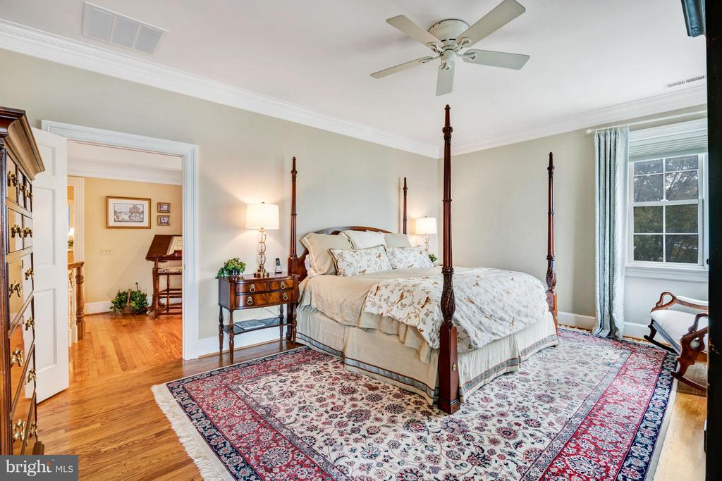 Owners suite w/ gleaming hardwood floors - 1208 SOUTHBREEZE LN, ANNAPOLIS
