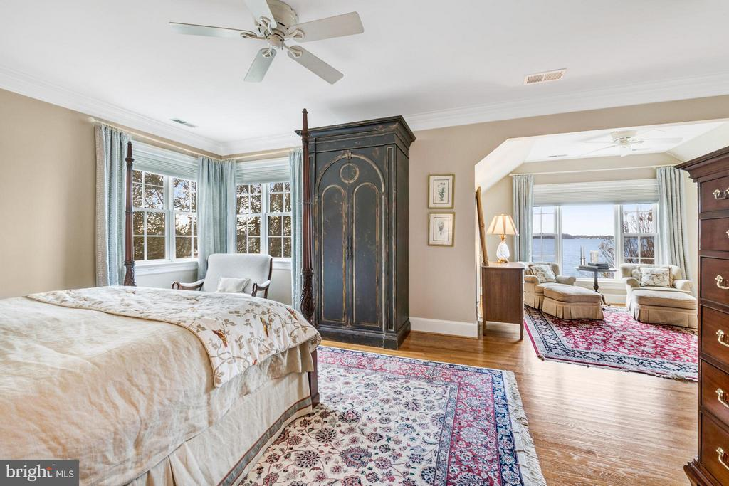 Owners suite offers 2 walk in closets & 1 cedar - 1208 SOUTHBREEZE LN, ANNAPOLIS