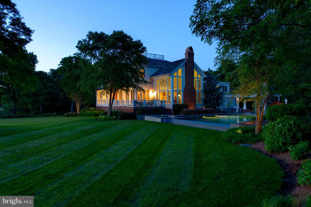 Truly a spectacular setting in a private location - 1208 SOUTHBREEZE LN, ANNAPOLIS