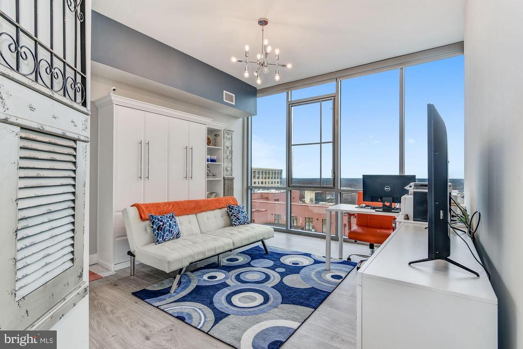 2nd Bedroom w/ Continued floor to ceiling windows - 930 ROSE AVE #1905, NORTH BETHESDA