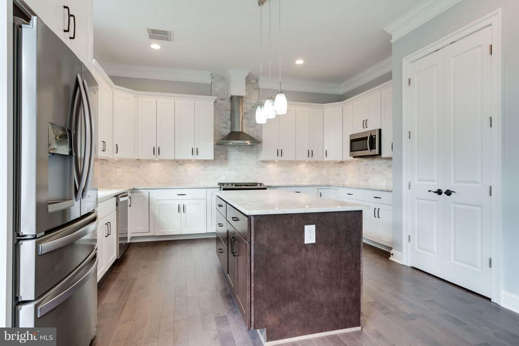 Kitchen - 8733 POHICK RD, SPRINGFIELD