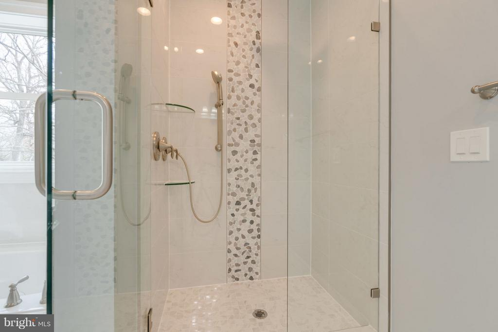 Master Bathroom; SEPARATE SHOWER. - 8733 POHICK RD, SPRINGFIELD