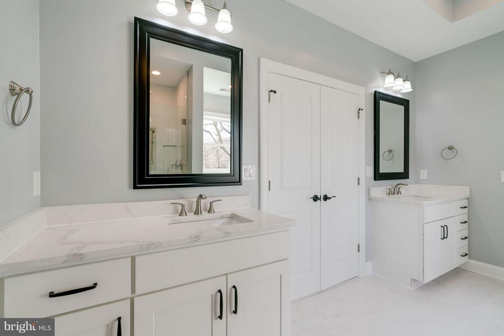 Master Bathroom - 8733 POHICK RD, SPRINGFIELD